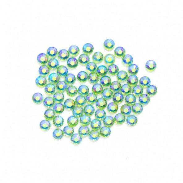 crystals-ab-green-25-by-Fantasy-Nails