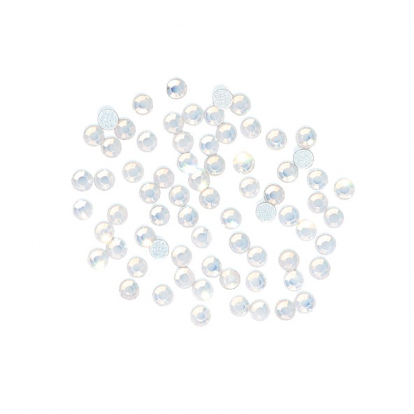 decoracion-crystal-rhinestones-white-opal-1-by-Fantasy-Nails