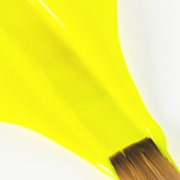 gel-painting-graffiti-yellow-3-by-Fantasy-Nails