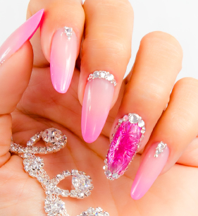 Look_00003_BABY BOOMER DIAMOND NAIL